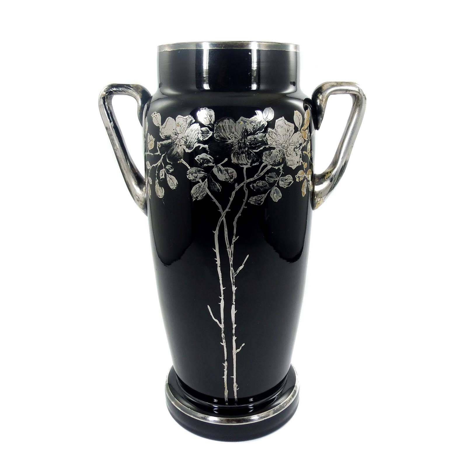 wilhelm kralik sohn vase mit silbermalerei in form von. Black Bedroom Furniture Sets. Home Design Ideas
