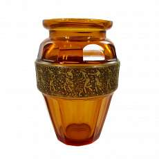 Art Deco vase, series Fipop signed Moser in 1920