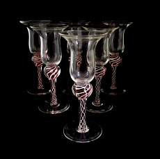 Genever glass with enclosed white and red spiral glass threads