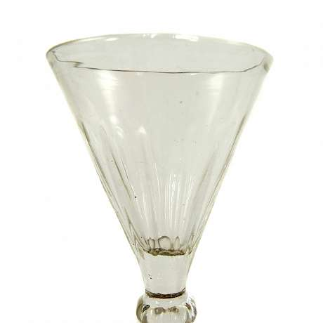 3  Goblet with optically ribbed cuppa, France or Belgium, beg. 19th century